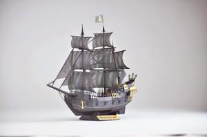 6月24日に発売した「海賊船」 1,380円(税別)